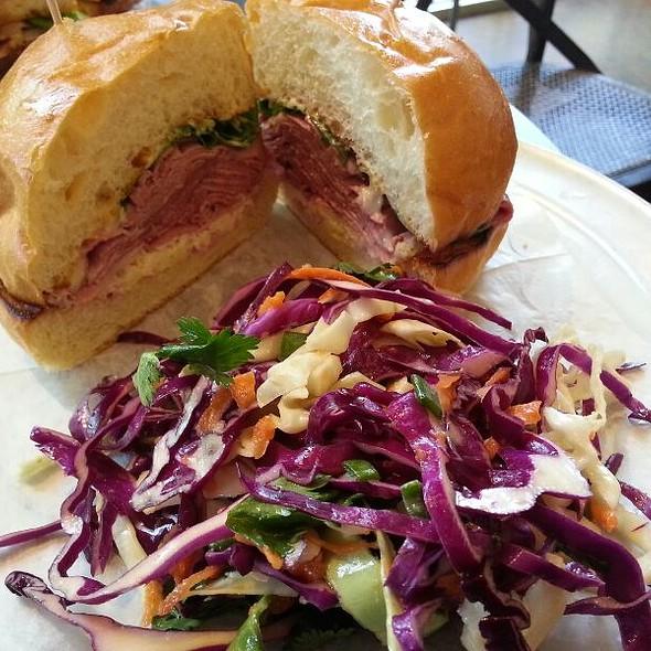 Grassfed Roast Beef Sandwich @ Revival Market