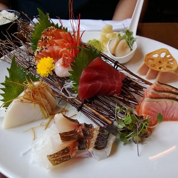 Sashimi Deluxe @ Yuzu Sushi and Sake Bar