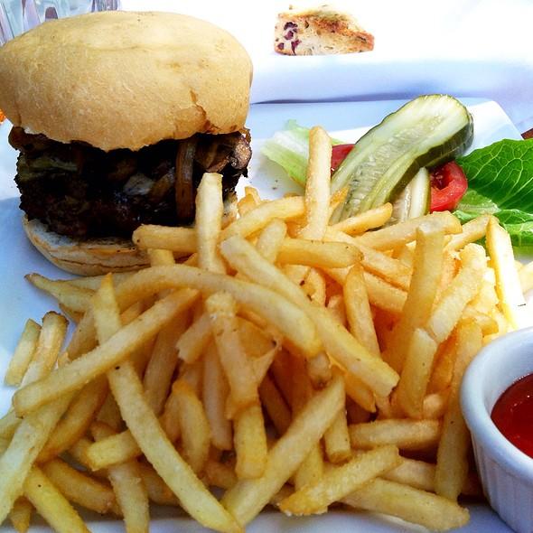 Gio's Burger W/ Truffled Fries