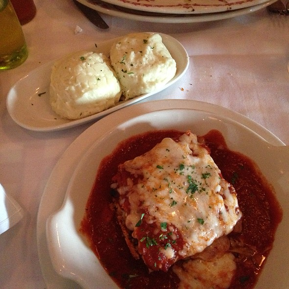 Mom's Lasagna @ Maggiano's Little Italy