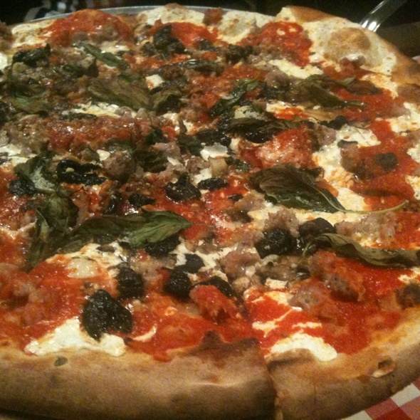 Pizza w. Italian Sausage, Mushrooms, Olives, Basil & Extra Cheese @ Grimaldi's Pizzeria