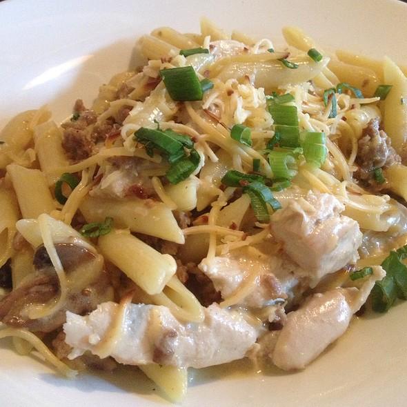Tuscan Chicken Pasta - Charbonos - Avon, Avon, IN