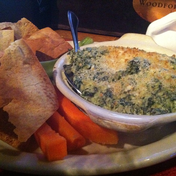 Spinach Artichoke Dip - PeraBell Food Bar, Patchogue, NY