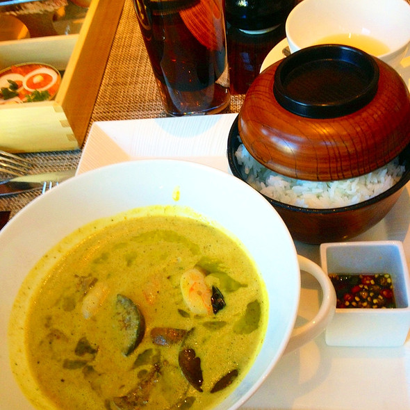 Thai Green Curry @ MOzen Bistro