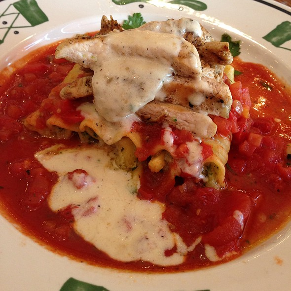 Lasagna Primavera With Grilled Chicken   @ Olive Garden