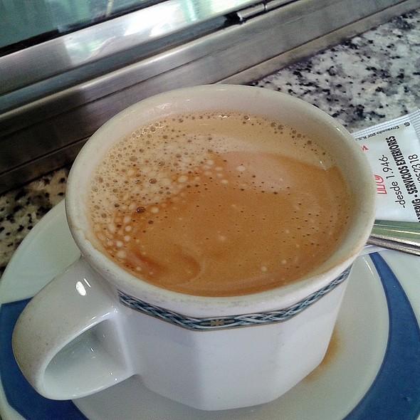 Caffe Latte @ Cafetería Animari