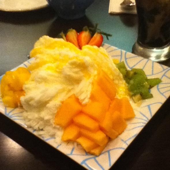 Fresh Fruit Snow Ice @ Anytime Cafe