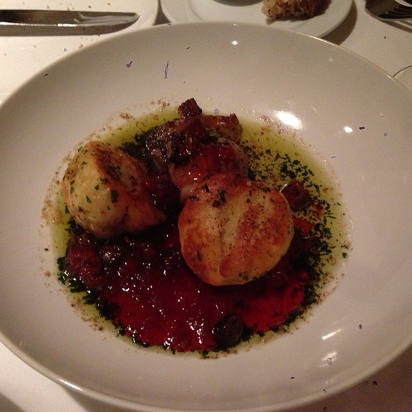 Potato Cakes With Lingonberry Sauce @ Pläj