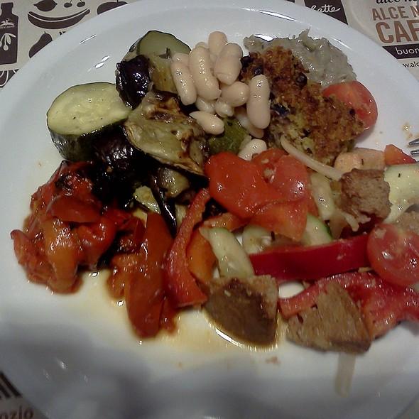 Organic buffet @ Alce Nero