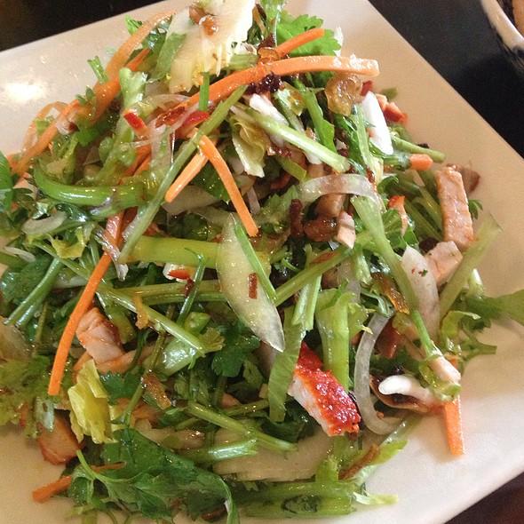 パクチーサラダ @ 亜細亜食堂 サイゴン 上町 (Saigon)