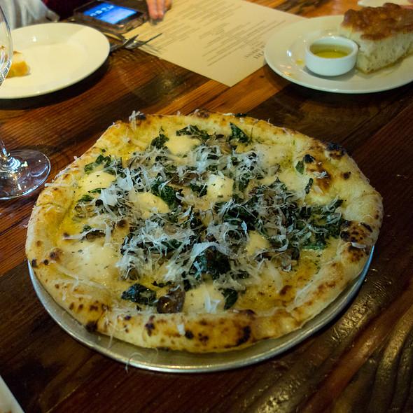 Pizza - Oenotri, Napa, CA