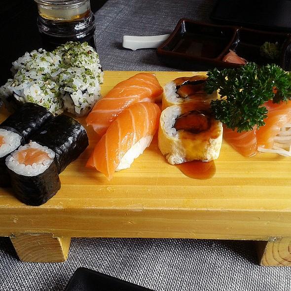 Assorted Maki, Sushi & Sashimi  @ Howe