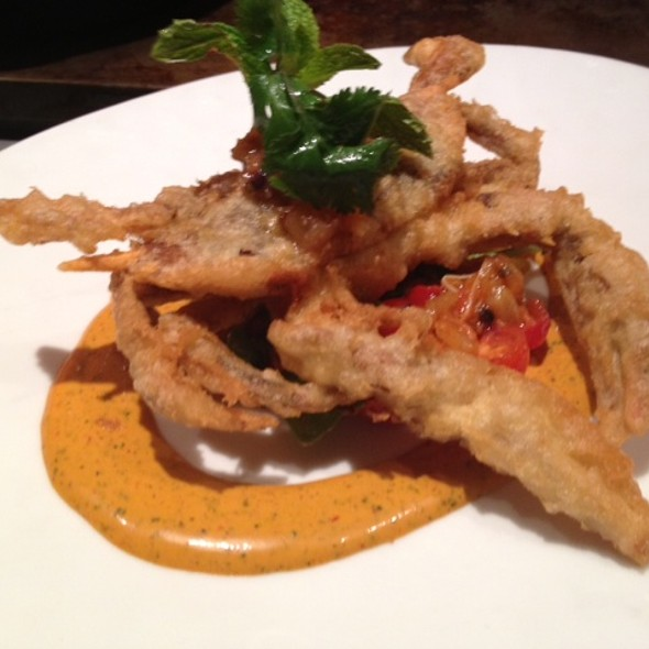 Tempura Chesapeake Bay Soft Shell Crab, Peperonata, Lemon Chutney, Harissa Aioli @ CUT