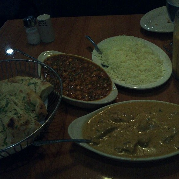 Garlic Naan, Chana Masala, Chicken Korma, & Basmati Rice @ Mirch Masala Indian Cuisine