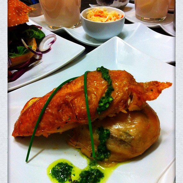 1/2 Hähnchen @ Pastis Restaurant Grill