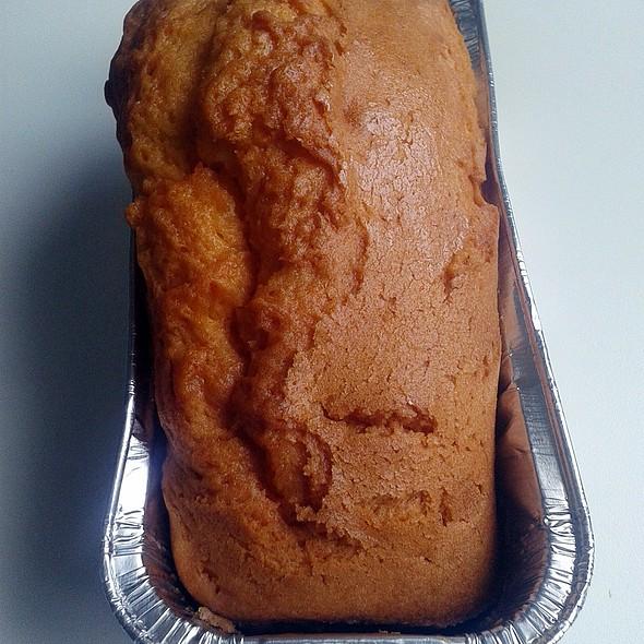 Lemon sponge cake @ La Comercial Narvaez