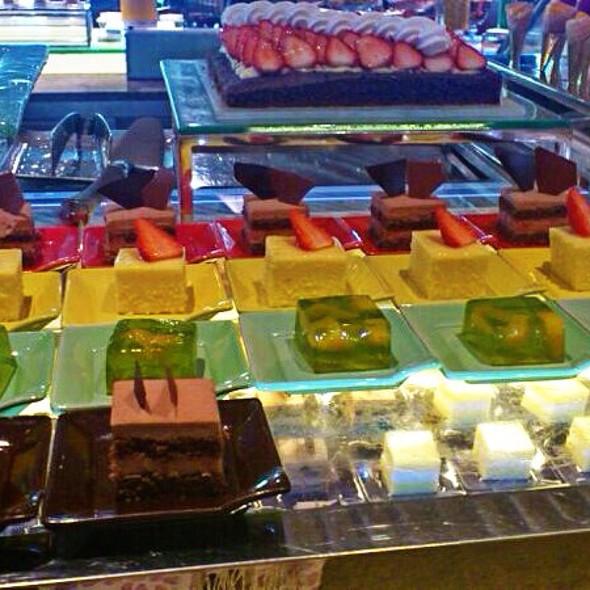 dessert buffet @ Island Shangri-La