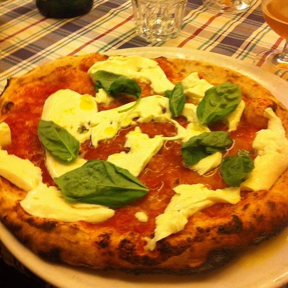 Pizza Stramargherita @ La Gatta Mangiona Il Pino Srl