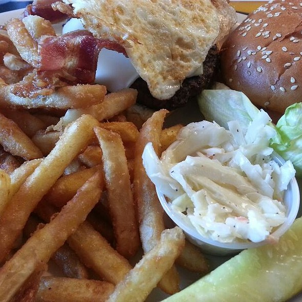 Texas Burger Deluxe @ Babe's Place