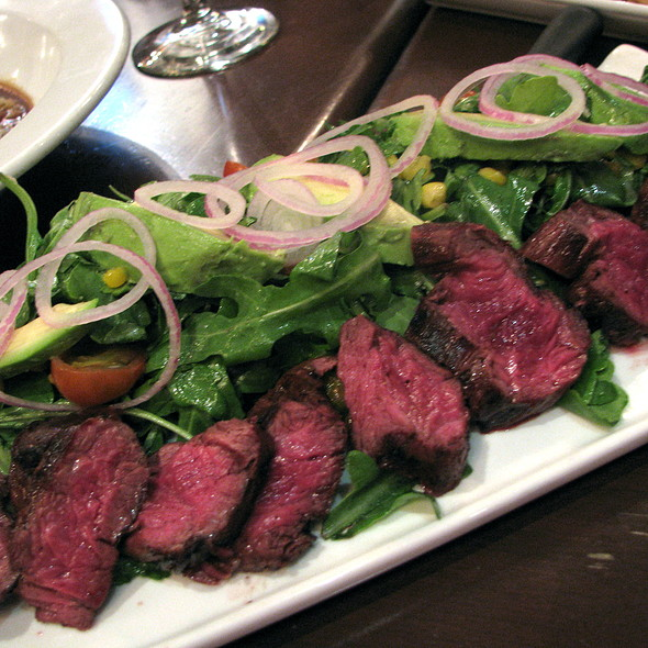 Roasted Corn & Hanger Steak Salad @ Yankee Doodle Tap Room
