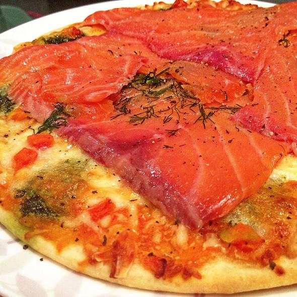 Smoke Salmon & Dill Pizza @ Friend's Home