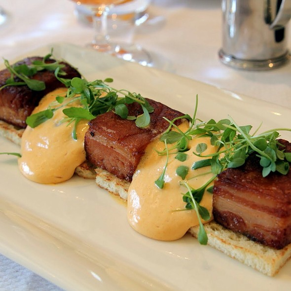 Eggs Benedict With Kurobuta Pork Belly