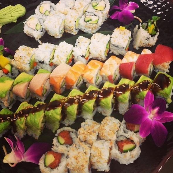 Sushi @ Solaro Poolside