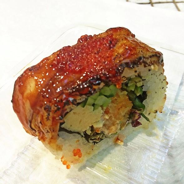 Dragon Sushi Roll @ Hero Sushi