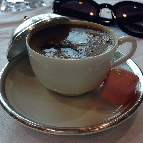 Cinnamon Flavored Turkish Coffee @ The Tea Room @ Trosseau Al Aali Mall