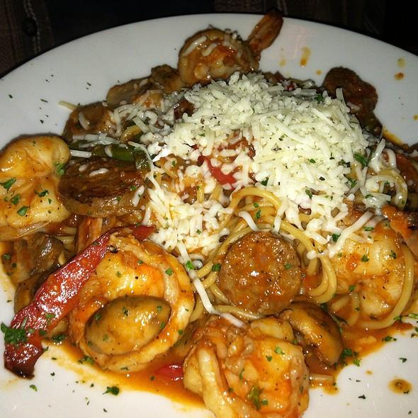 Linguine With Shrimp And Sausage - Grazie Ristorante - Southcenter, Tukwila, WA