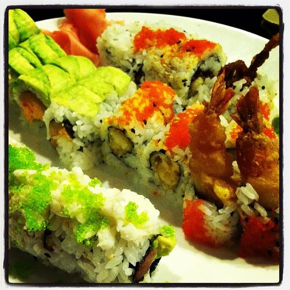 Sushi @ Tasu Sushi Bar Asian Bistro