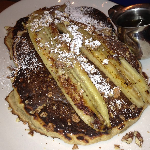 Banana Oatmeal Pancakes - L'Apicio, New York, NY