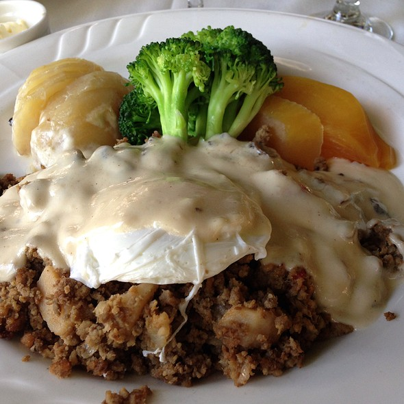 Heavenly Prime Rib Hash - Melvyn's at the Ingleside Inn, Palm Springs, CA