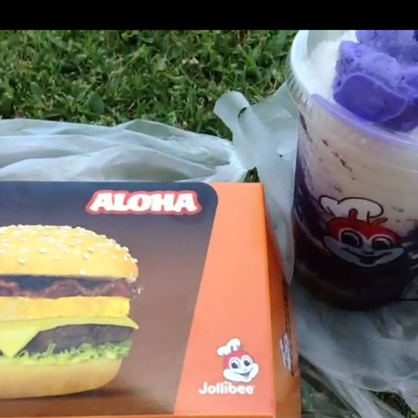 Aloha Burger And Halo-Halo