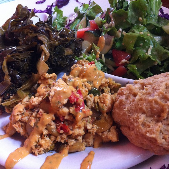 Tofu Scramble, Mixed Greens, Spring Salad & Cheddar Biscuit @ End Of The Line Cafe