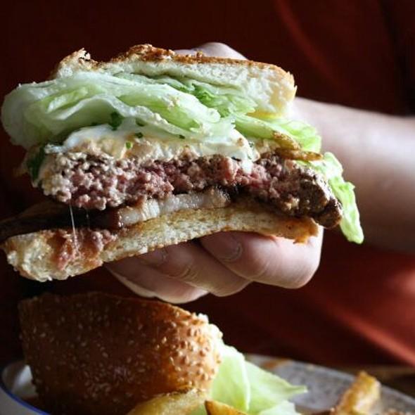 Farmhouse Burger - FARMHOUSE Tavern, Toronto, ON