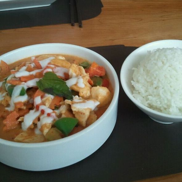 panang curry @ Hot Woks Cool Sushi