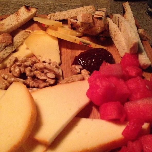 plateau de fromages - Manuel's Bread Cafe, North Augusta, SC