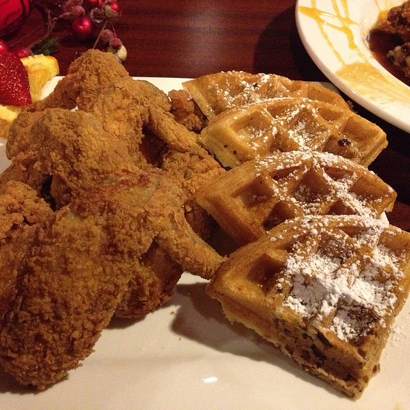 Chicken and Waffles @ Grannys Restaurant
