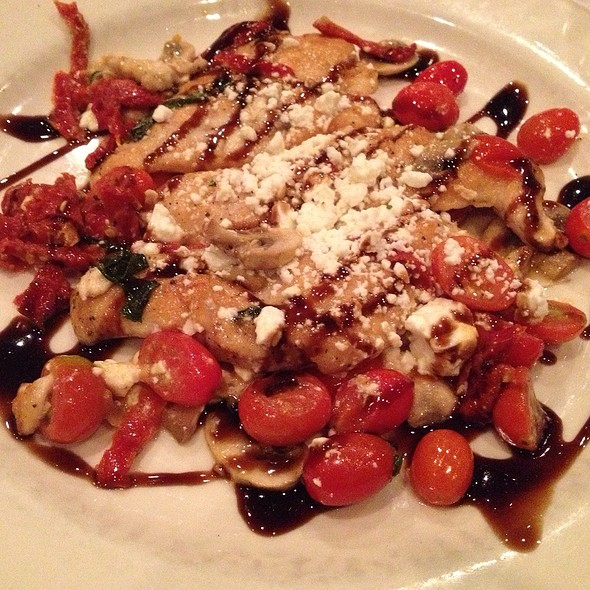 Chicken Mediterranean @ Thee Olde Place Inn