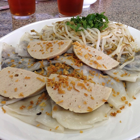 Banh Cuon Thit Cha Lua