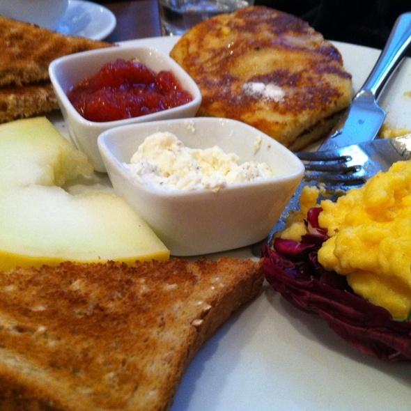 American Pancakes @ Cafe Vero