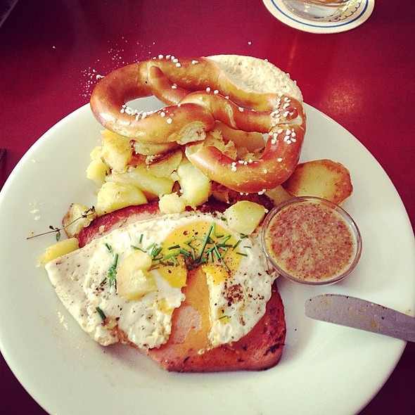 Leberkäse is a blast as well. This turned out to be quite the culinary trip. @ FABRIK-CAFÉ