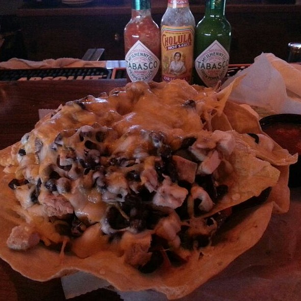 Chicken Macho Nachos @ Island Fish Company