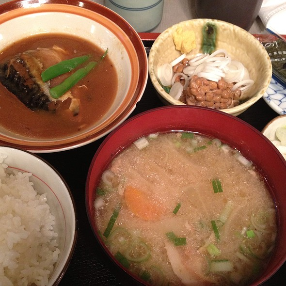 鯖味噌煮定食 @ 海浜食堂