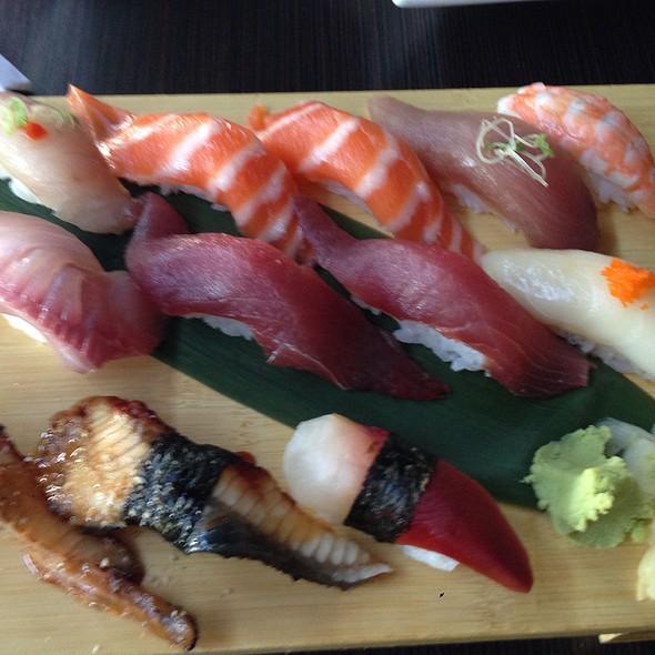 Nigiri Deluxe @ Zakuro Japanese Bistro and Sushi Bar