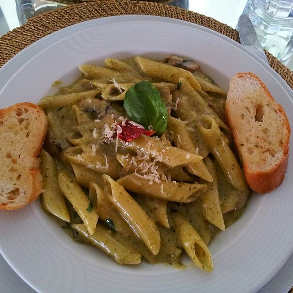 Basil Pesto Pasta @ 100 Ft Boutique Restaurant