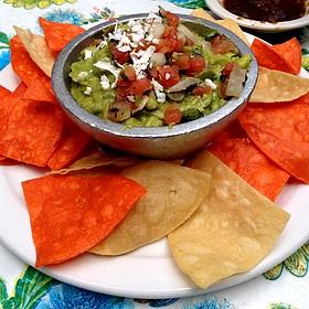 Molecajete  De Guacamole Served With Housemade Tostadas