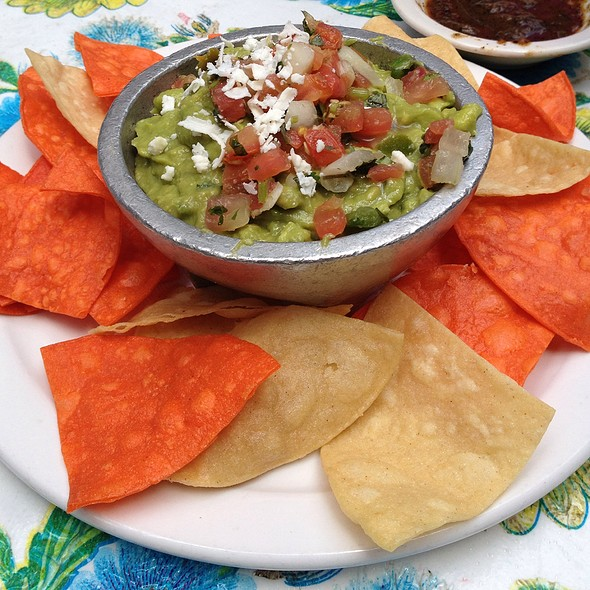 Molecajete  De Guacamole Served With Housemade Tostadas - Ácenar, San Antonio, TX