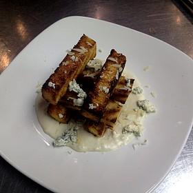 Garlic Bread Sticks With Bleu Cheese Fondue